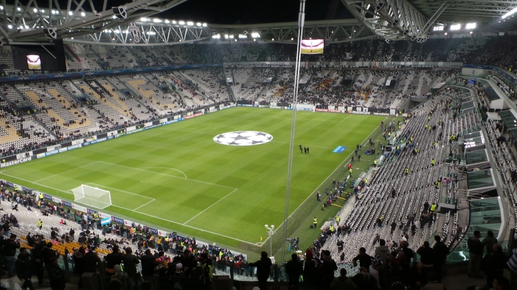 Juventus_v_Real_Madrid,_Champions_League,_Stadium,_Turin,_2013.jpg