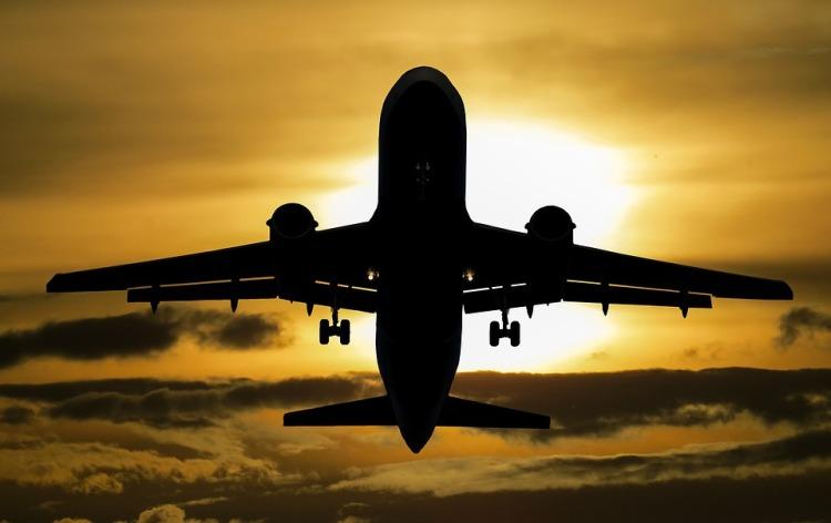 aircraft-1362586_960_720.jpg