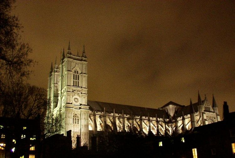 Westminster_abbey_night.jpg