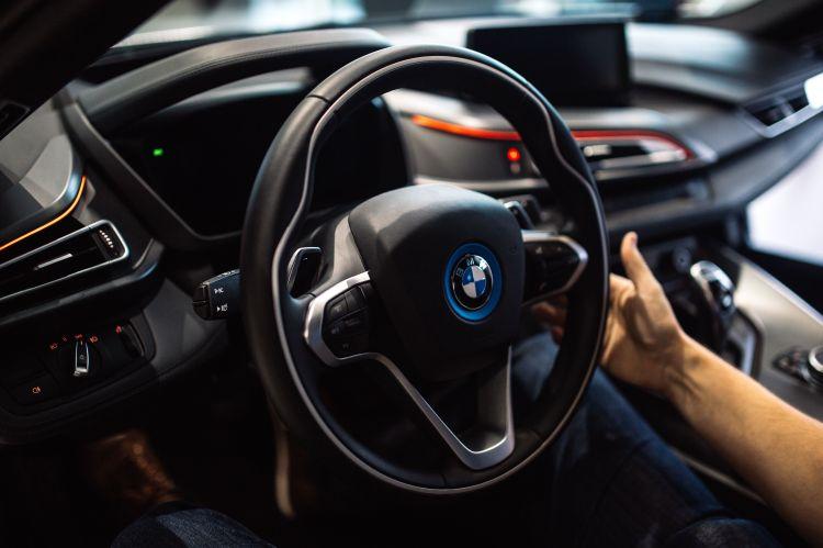 kaboompics_Cabin of a plug-in hybrid sports car BMW i8.jpg