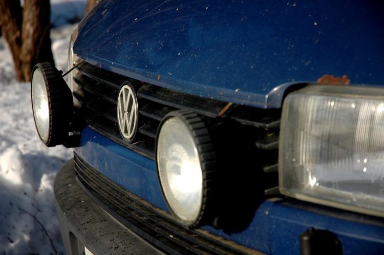 Old-Van-Wolkkari-Volkswagen-Car-Blue-Car-Rusty-2294979.jpg