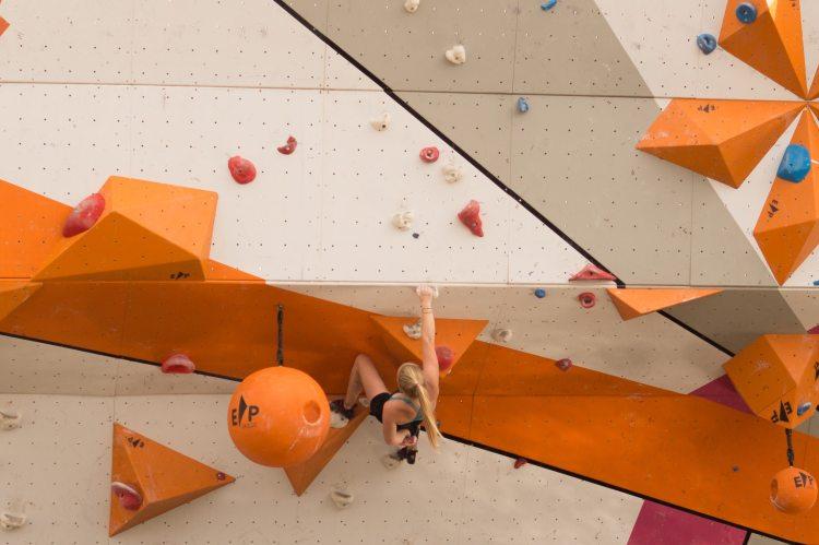 sport-muscles-climbing-climber-9606.jpg