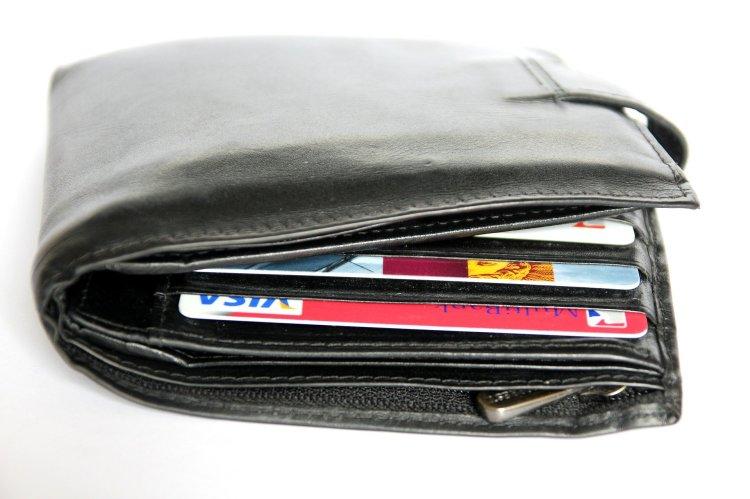 wallet-367975_1920.jpg
